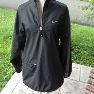 Mens Nike Windbreaker.